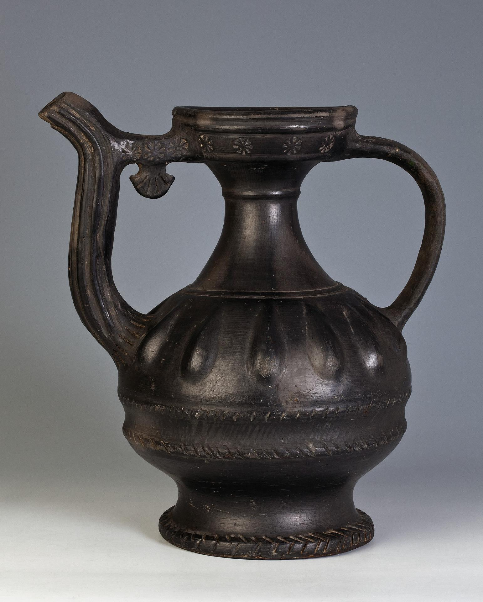 Kumgan, Russia, 18th century, black ceramics, polishing